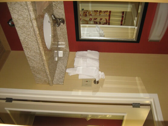 marriott pittsburgh airport courtyard bathroom
