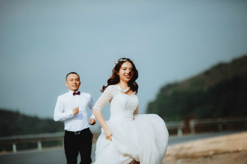 Want to find out the best ways to save money as an eloping bride? Check out this quiz.